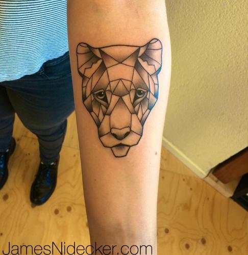 05_geometric_lion_tattoo_amsterdam_april2017