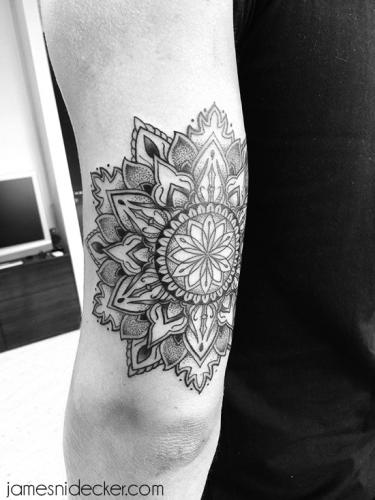 mandala_dotwork_tattoo_amsterdam_02_2017